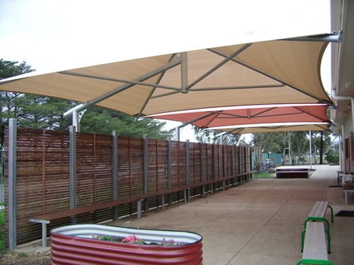 Primary school cantilever umbrellas